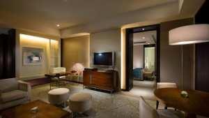 Corner Bay View Suite