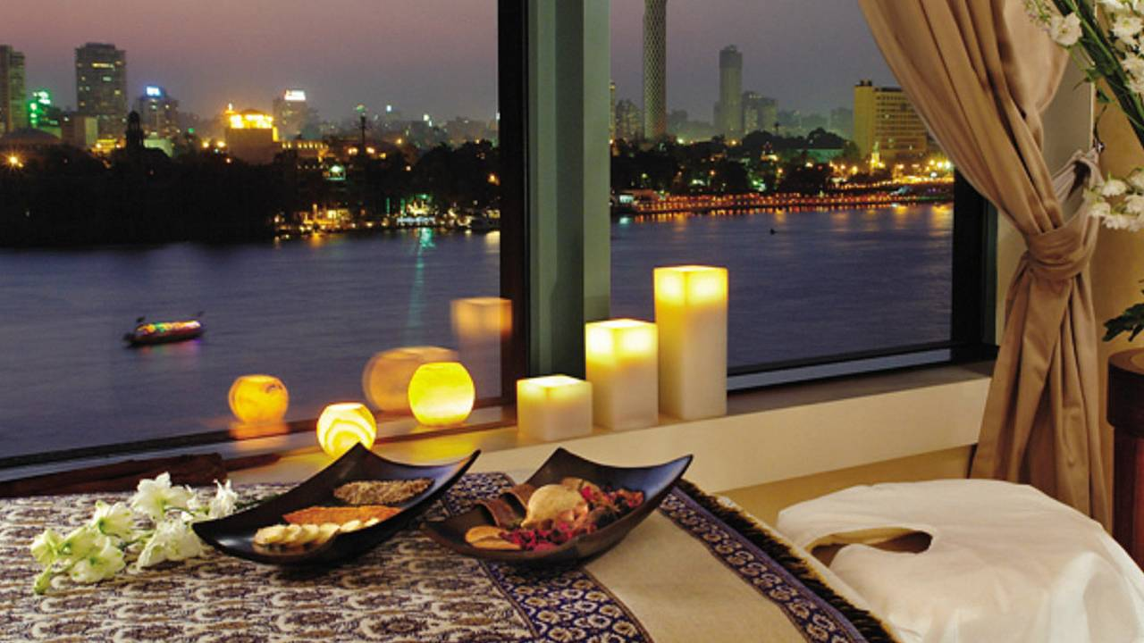 Four seasons hotel cairo at nile plaza cairo luxandtravel for 4 seasons beauty salon